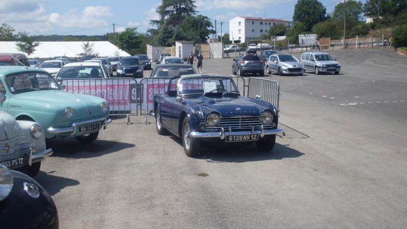 un petit rassemblement voitures anciennes en aveyron le 10 aout  Sdc18420
