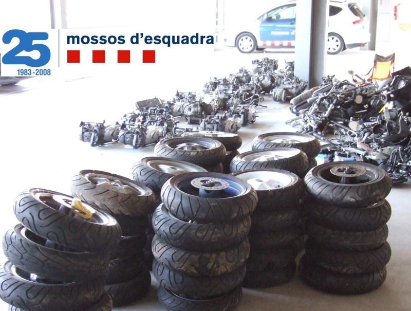 Els Mossos intercepten una furgoneta al que portava 26 motos robades al Marroc Motos110