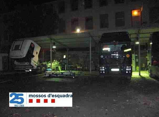 Cinc detinguts per robar camions arreu de Catalunya i desballestar-los Np19911