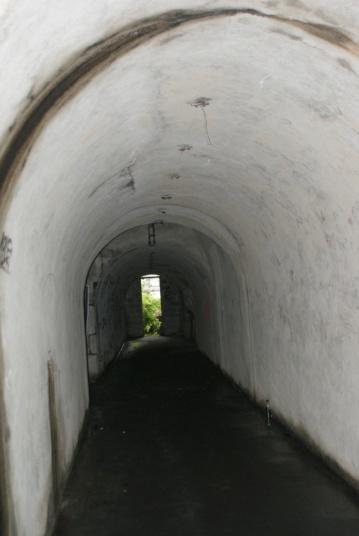 Abri rue du Moulin à Poudre 2_dsc012