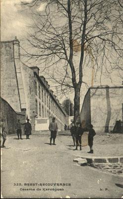 NEW - Brest et ses remparts Cpa_br14