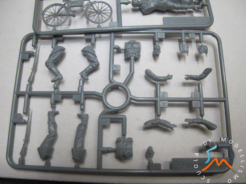 Recensione Kit German soldier whit bicycles e German machine gun crew on maneuver Img_3712