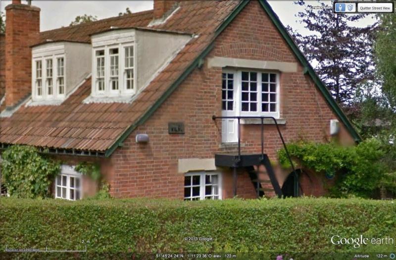 [Royaume-Uni] - Clive Staples Lewis, auteur des Chroniques de Narnia Maison26