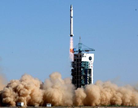 Lancement CZ-2D / InnoSat-1/02 & ExperimenSat-3 13051210