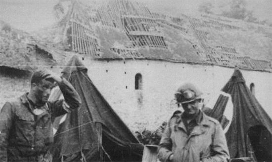Mort du premier Général Américain en Normandie. Colomb12
