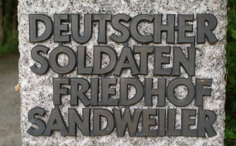 Cimetière Allemande de Sandweiler ( Luxembourg ) Luxemb13