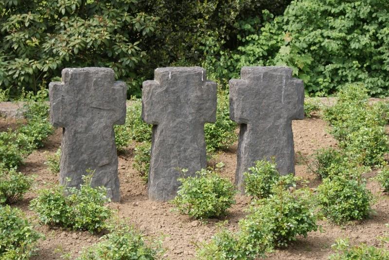 Cimetière Allemande de Sandweiler ( Luxembourg ) Luxemb15