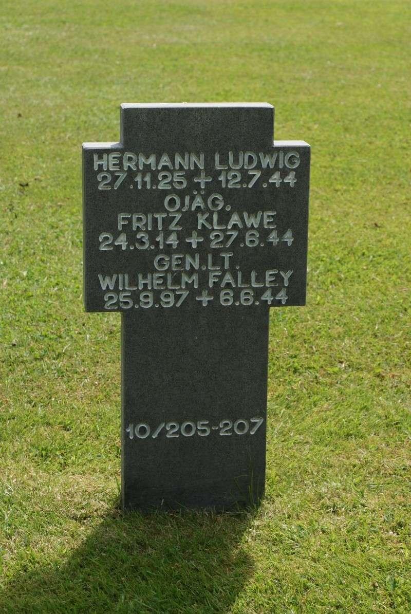 Mort du premier Général Allemand en Normandie. Norman22