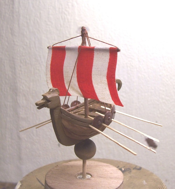 Maquette Drakkar de noix Cnland19