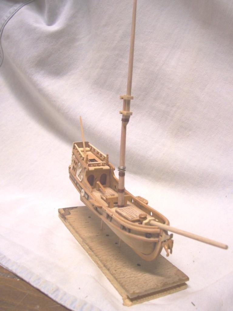 rénovation de mon premier bateau en bois yatch du 16ème R411