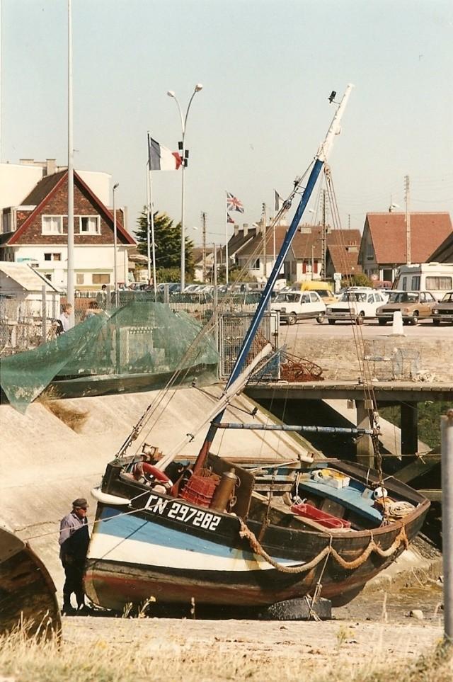 [VIE DES PORTS] Quelques bateaux de pêche (sur nos côtes Françaises) - Page 6 Manu_210