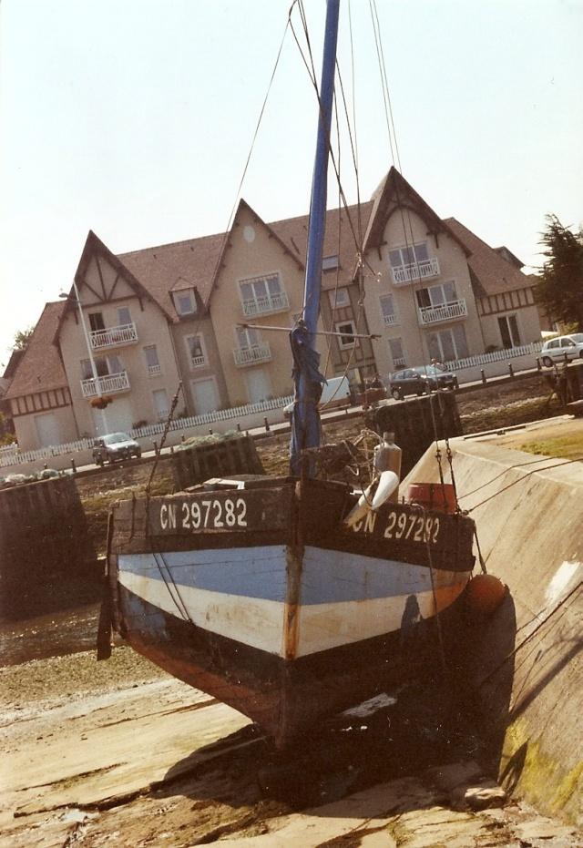 [VIE DES PORTS] Quelques bateaux de pêche (sur nos côtes Françaises) - Page 6 Manu_310