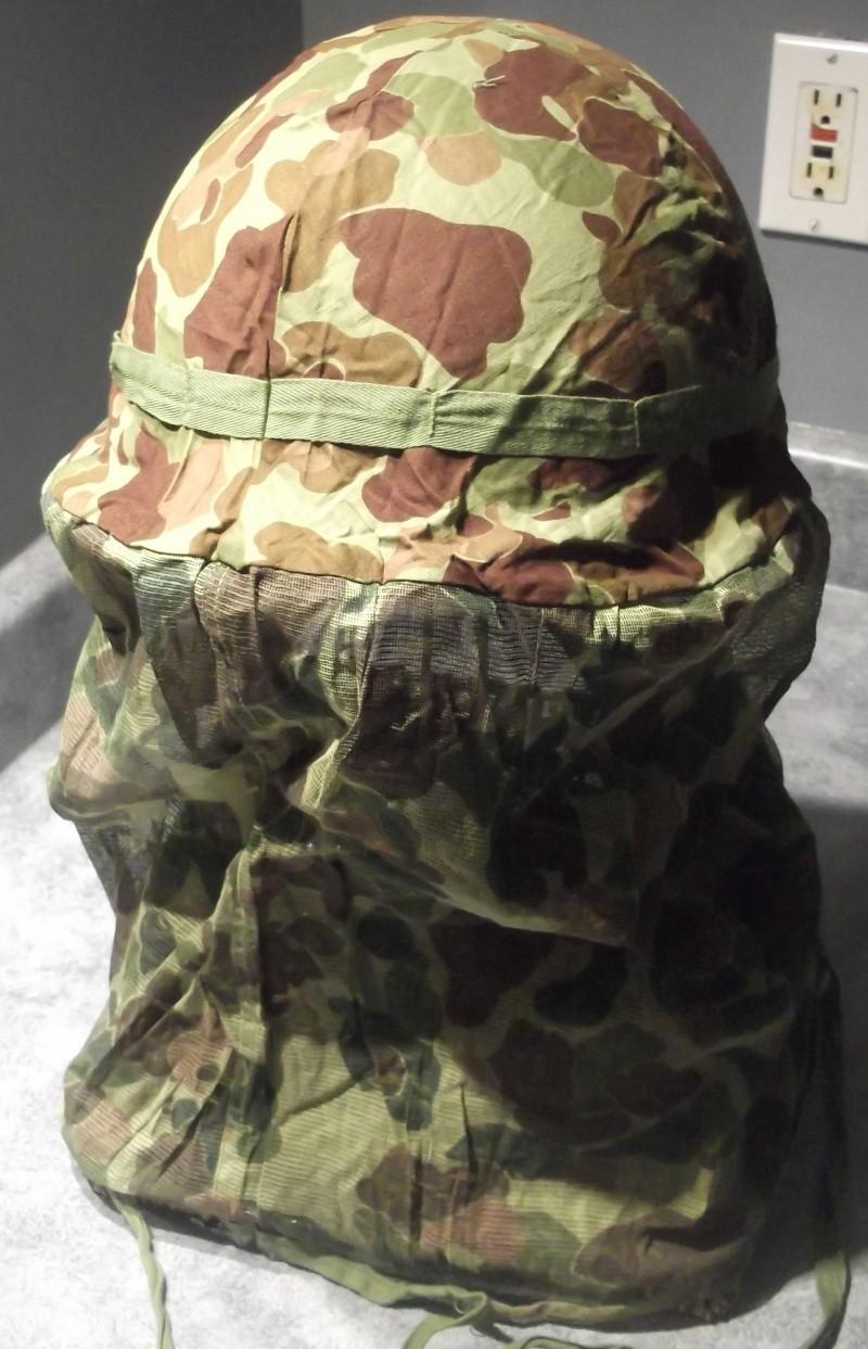 Couvre casque USMC dit mosquito sur M1 US Navy 1943 Dscf7140