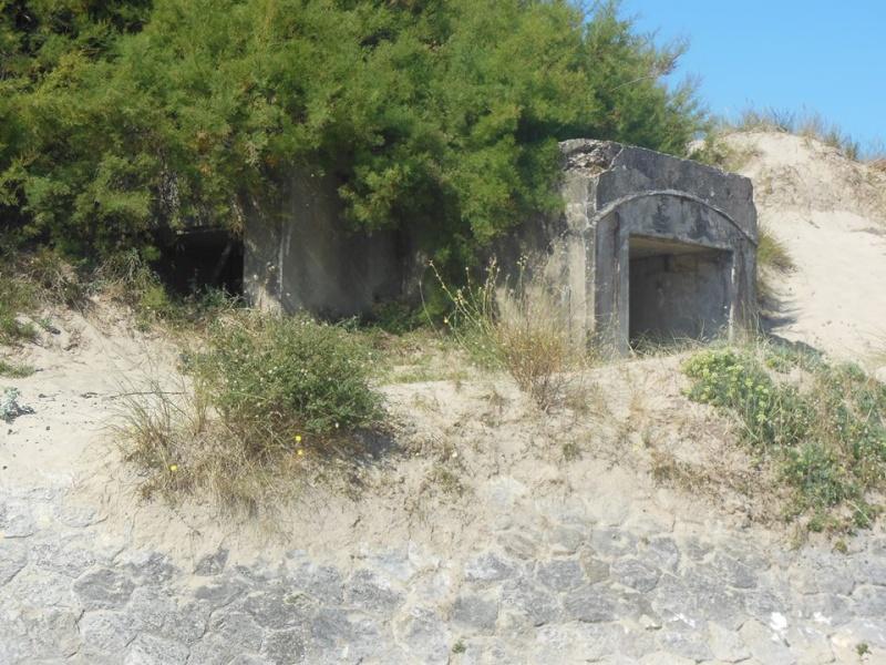 [ Histoires et histoire ] Fortifications et ouvrages du mur de l'Atlantique - Page 6 55345410