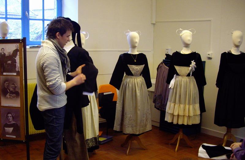 Présentation du Costume Traditionnel de Brasparts Imgp4221