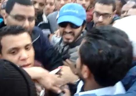 فيديو احمد حلمي مسك في واحد ويقوله انا مش عميل انا مصري زي زيك 76879610