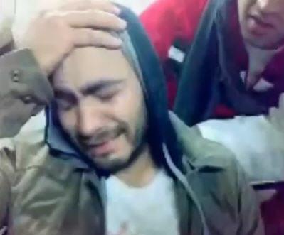 بكاء تامر حسني بعد الاعتداء عليه وطرده من ميدان تحرير 98225410