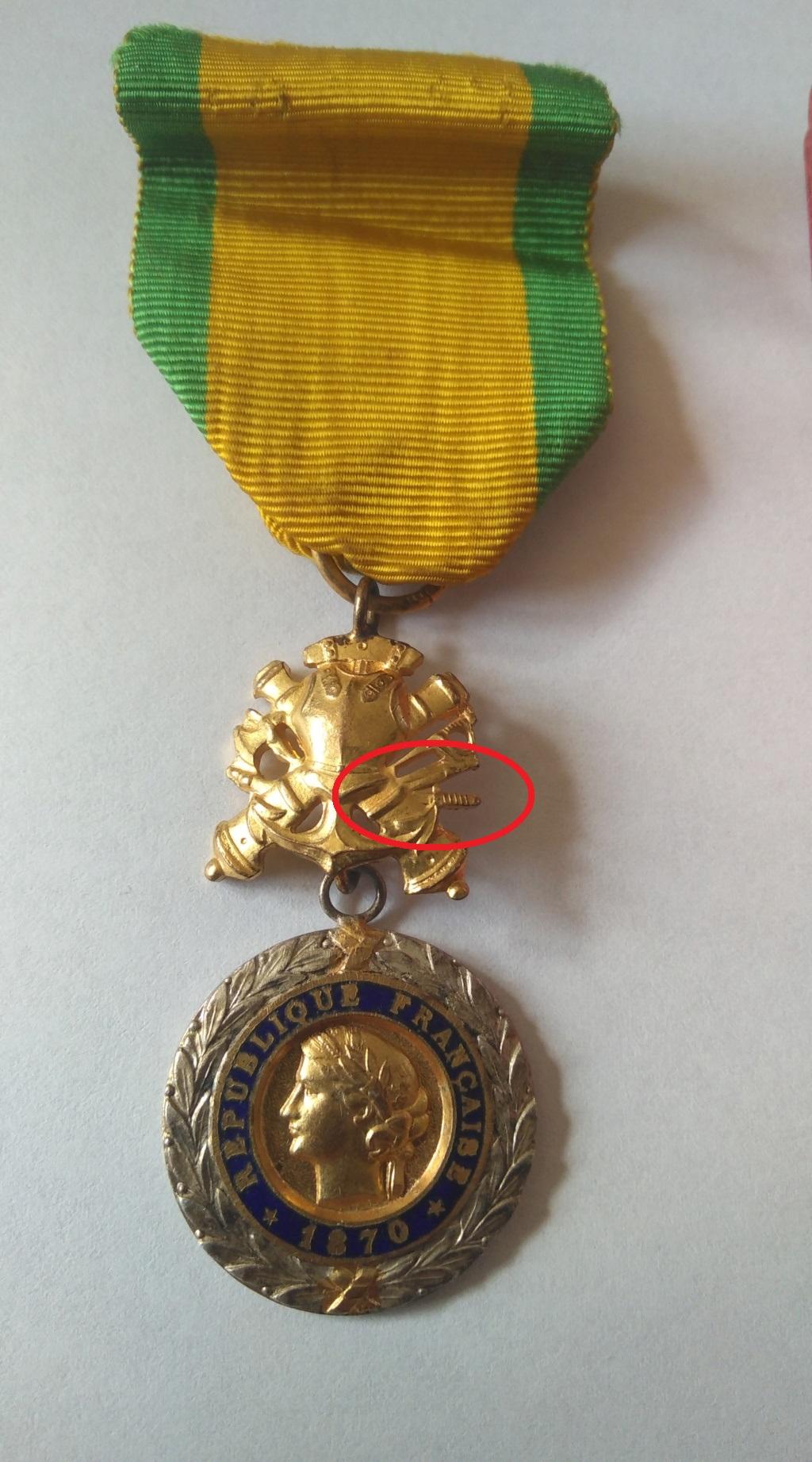 Médaille militaire uniface Img_1210
