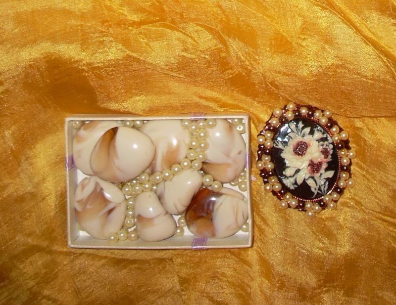 """""""Flori de piatră-Bijoux"""" albumul I-bijuterii artizanale marca Didina Sava - Pagina 20 Brosa_17"""