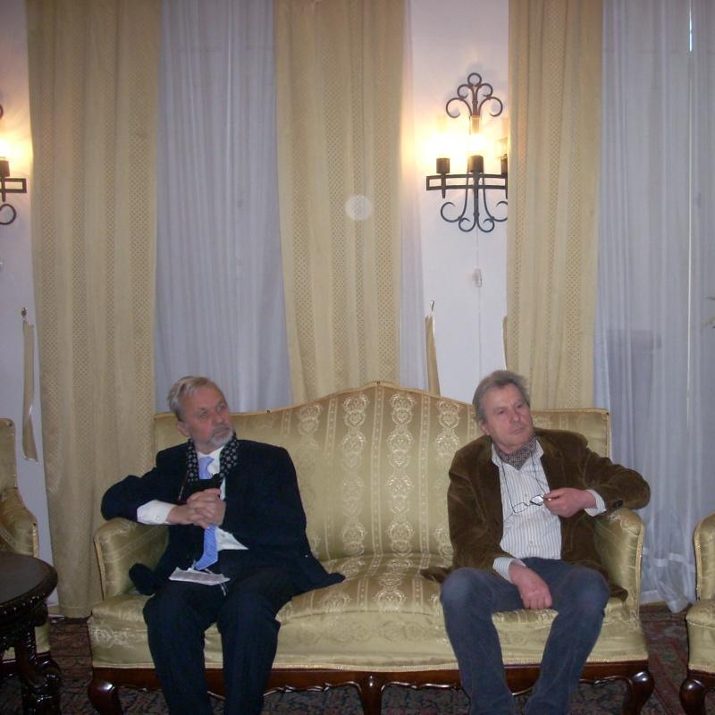 """19 februarie 2011-Sedinta a X-a Cenaclului U.P.-lansare de carte-""""Paralelele Sufletului""""-Florin Stratulat Cenacl13"""