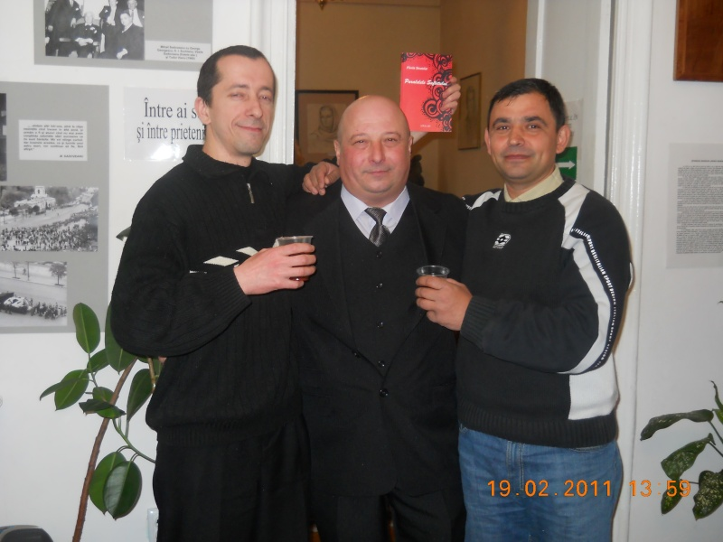 """19 februarie 2011-Sedinta a X-a Cenaclului U.P.-lansare de carte-""""Paralelele Sufletului""""-Florin Stratulat Clip_115"""
