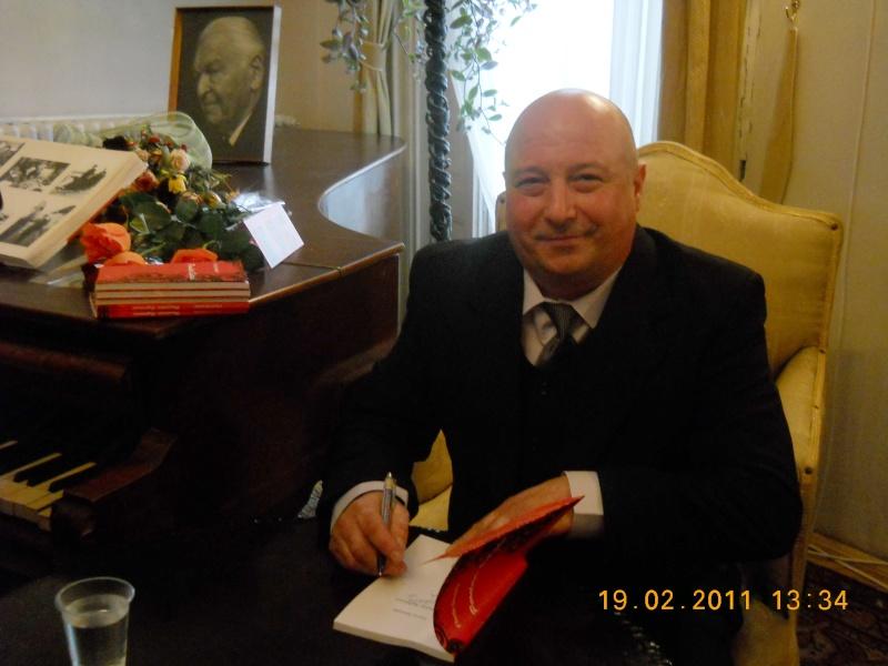 """19 februarie 2011-Sedinta a X-a Cenaclului U.P.-lansare de carte-""""Paralelele Sufletului""""-Florin Stratulat Pictur12"""