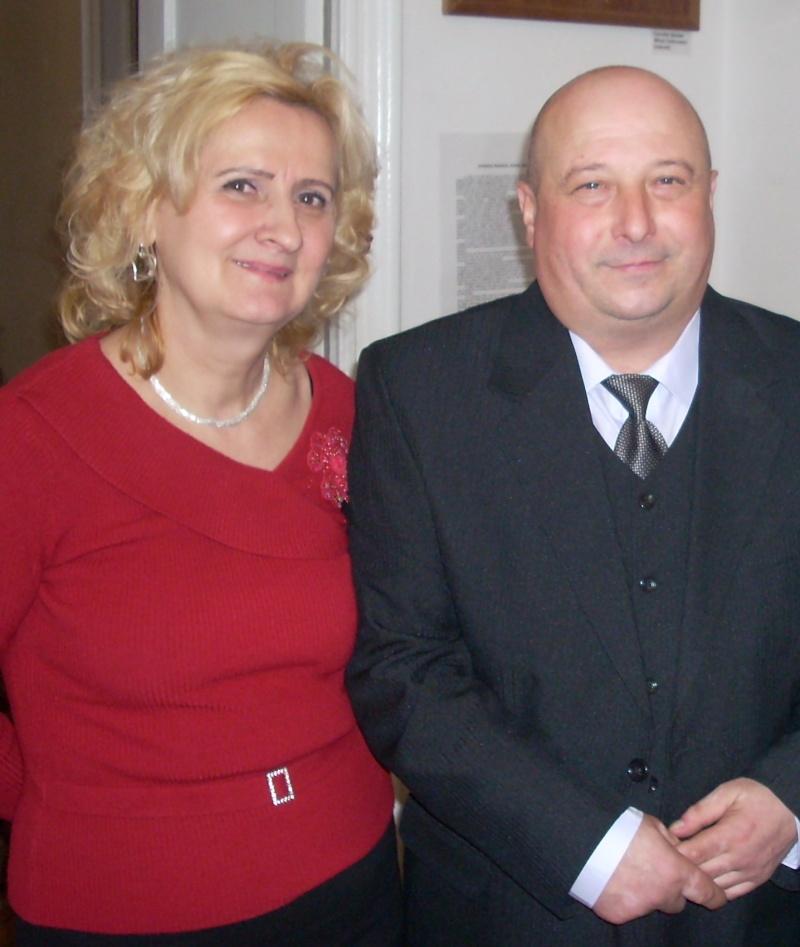 """19 februarie 2011-Sedinta a X-a Cenaclului U.P.-lansare de carte-""""Paralelele Sufletului""""-Florin Stratulat Rodica10"""