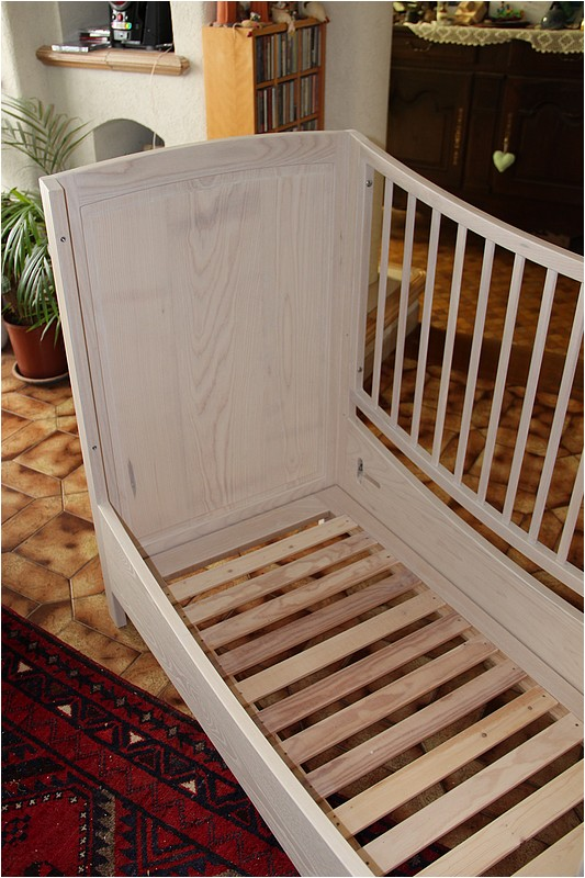 [Réalisation] Un lit pour bébé en 11 étapes. - Page 2 Img_5536