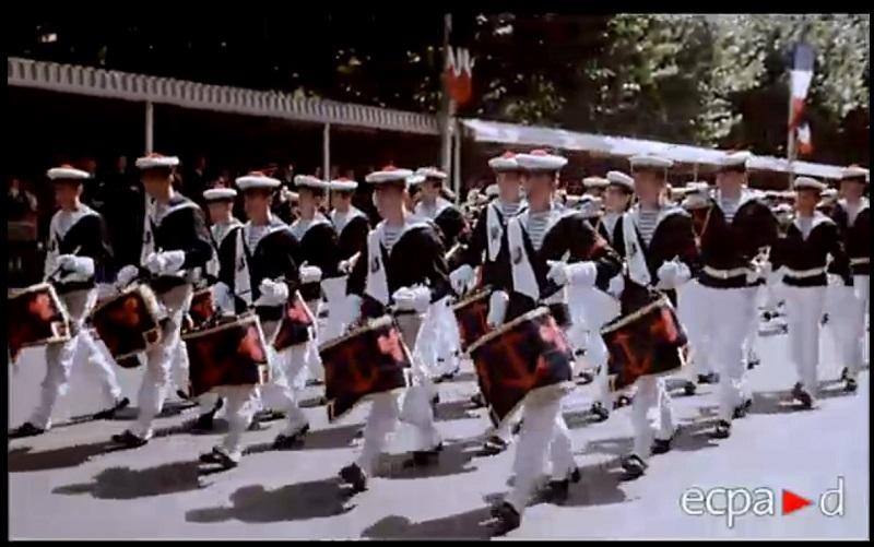[La musique dans la Marine] Les fanfares des écoles... - Page 3 Sans_t10