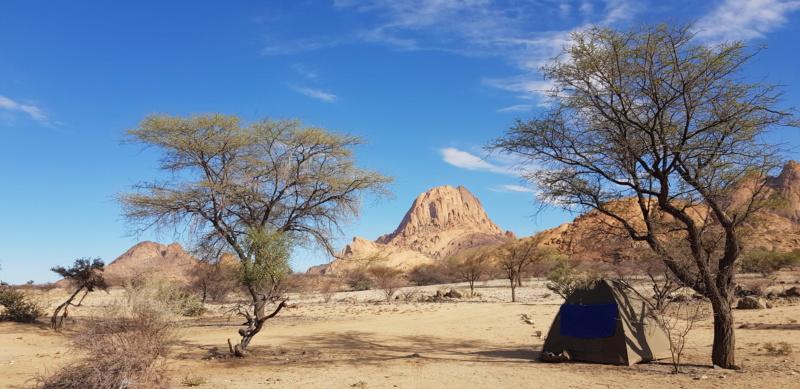 Tourmalines d'Erongo, Namibie Campin10