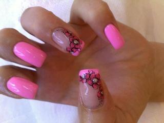 Slike dekoracija noktiju koji se vama sviđaju 30742110