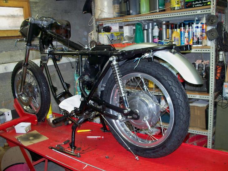 Nouvelle restauration d'une 350 Motoconfort 100_5515