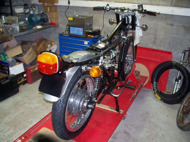 Nouvelle restauration d'une 350 Motoconfort 100_5523