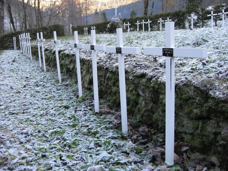 Le cimetière des miliciens au Grand Bornand (74) Cimetg13