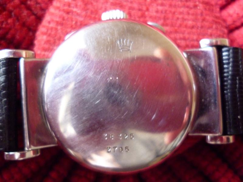 PIECE EXCEPTIONNELLE : TRES RARE Rolex chronograph 2 compteurs, anses articulées, référence 2705, numéro 38325,  acier des années 30; toute signée. Admin_23