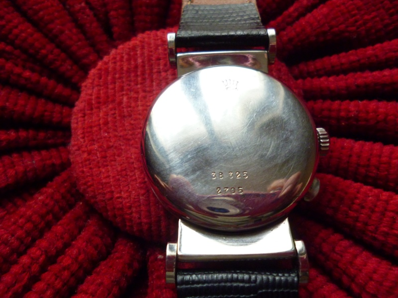 PIECE EXCEPTIONNELLE : TRES RARE Rolex chronograph 2 compteurs, anses articulées, référence 2705, numéro 38325,  acier des années 30; toute signée. Rolex_17