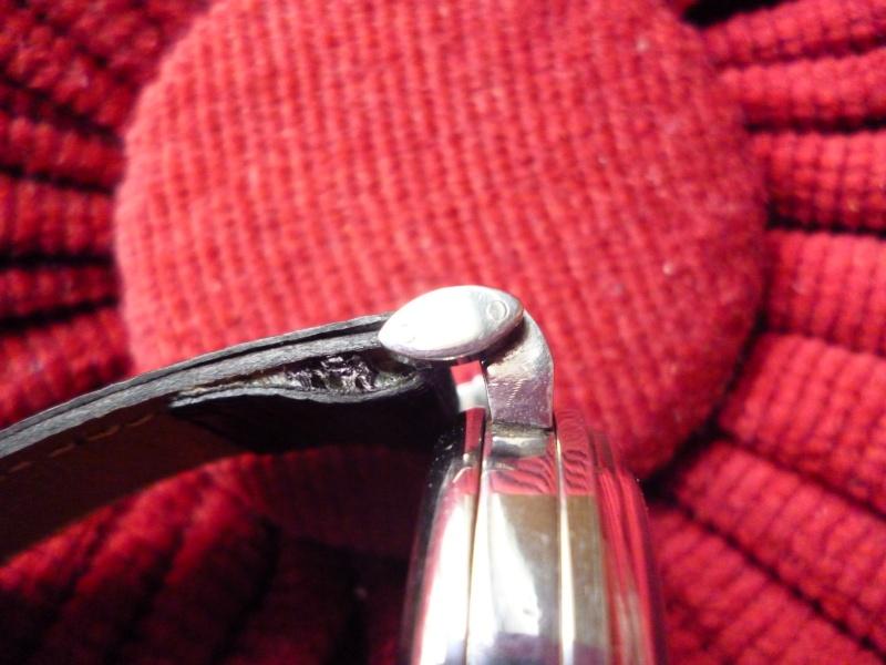 PIECE EXCEPTIONNELLE : TRES RARE Rolex chronograph 2 compteurs, anses articulées, référence 2705, numéro 38325,  acier des années 30; toute signée. Rolex_19