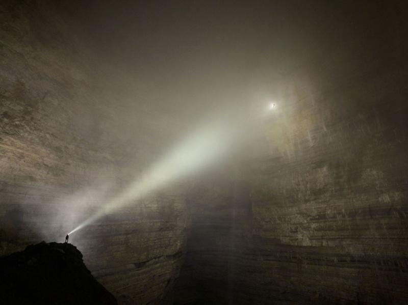 Les grottes du Monde illustrées avec Google Earth - Page 3 Grotte10
