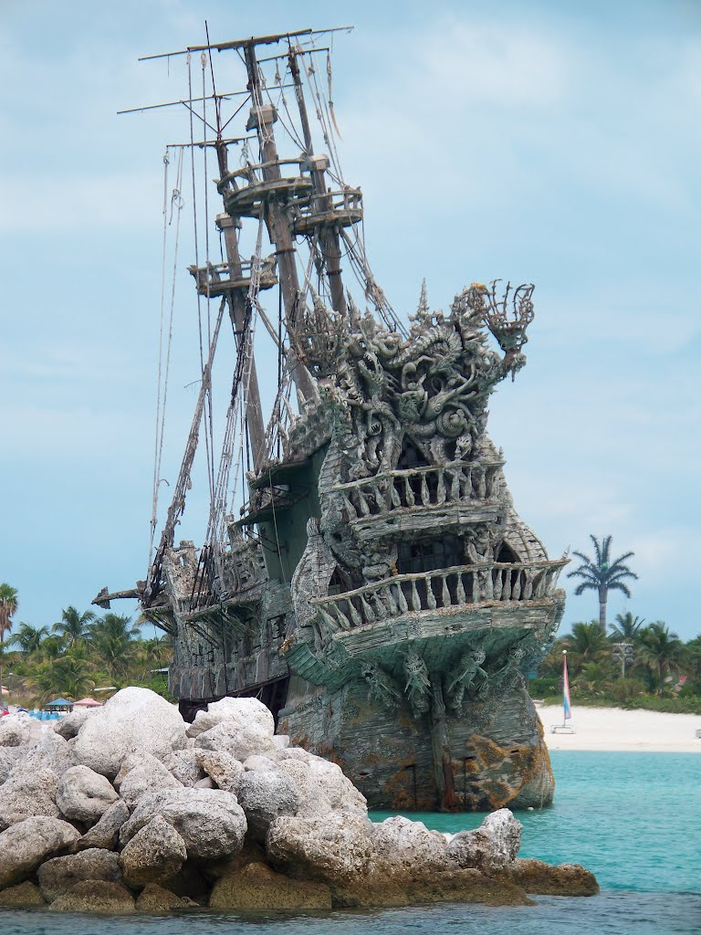 Le Hollandais volant/flying Dutchman Castaway Cay Bahamas Hollan10