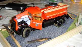 Opel Blitz Feuerwehrfahrzeug, M 1:24 Dsc00310