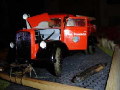 Opel Blitz Feuerwehrfahrzeug, M 1:24 Dsc00314