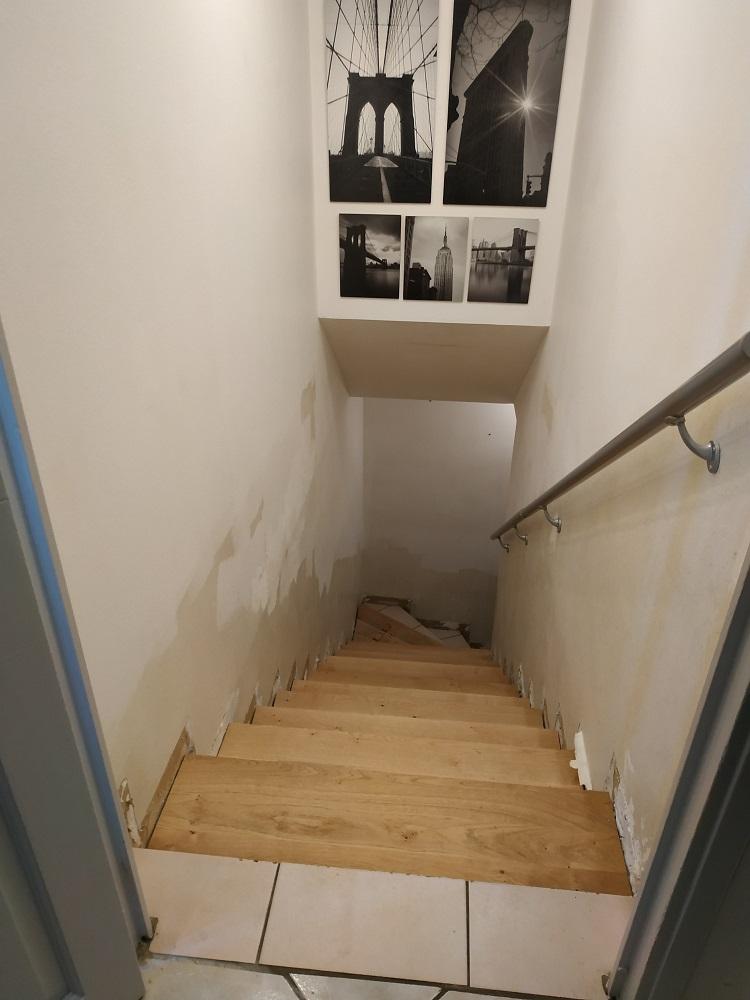 marche bois ou parquet stratifié  sur escalier carrelage - Page 2 Escali10