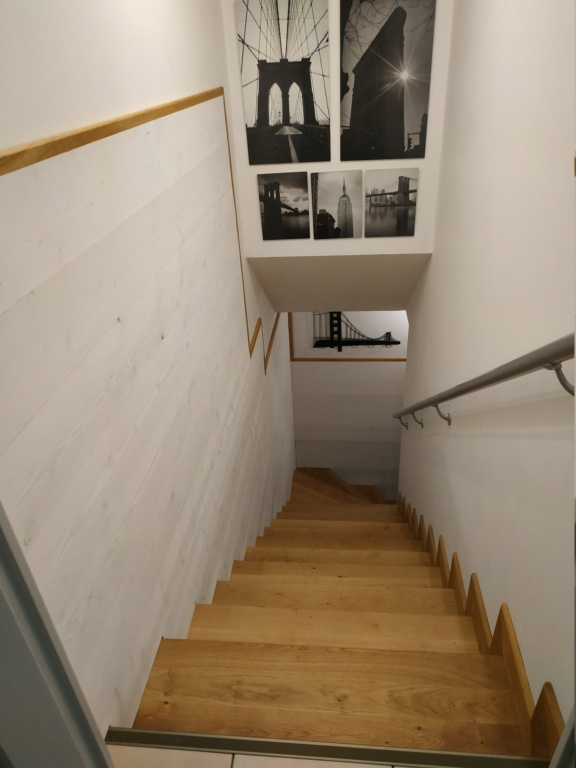 marche bois ou parquet stratifié  sur escalier carrelage - Page 2 Img_2012