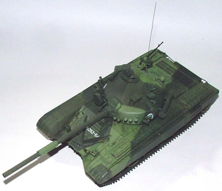 T-72A finlandais - Zvezda 1/35 Dscf0011