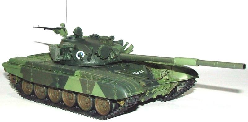 T-72A finlandais - Zvezda 1/35 Dscf0013