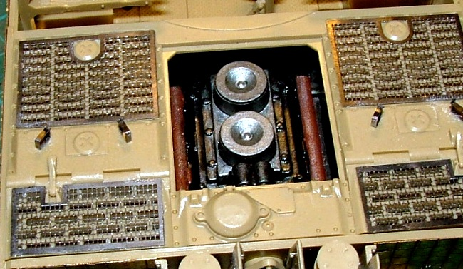 STURMTIGER [ TAMIYA 177 ] +Photodécoupe [ EDUARD 35381 & 35366]  (Montage en cours) - Page 4 Dscf0647