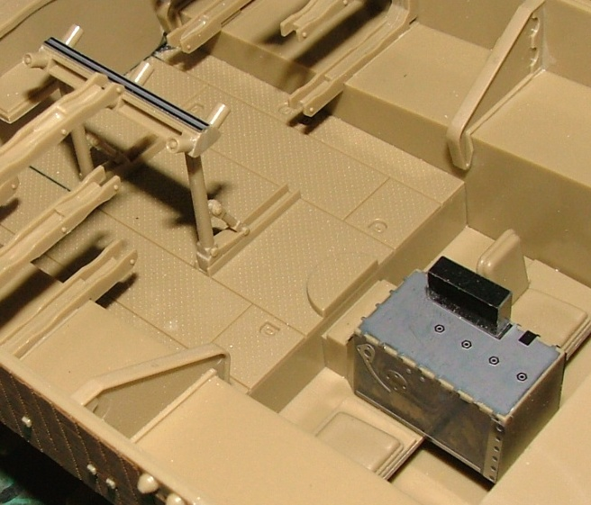 STURMTIGER [ TAMIYA 177 ] +Photodécoupe [ EDUARD 35381 & 35366]  (Montage en cours) - Page 4 Dscf0746