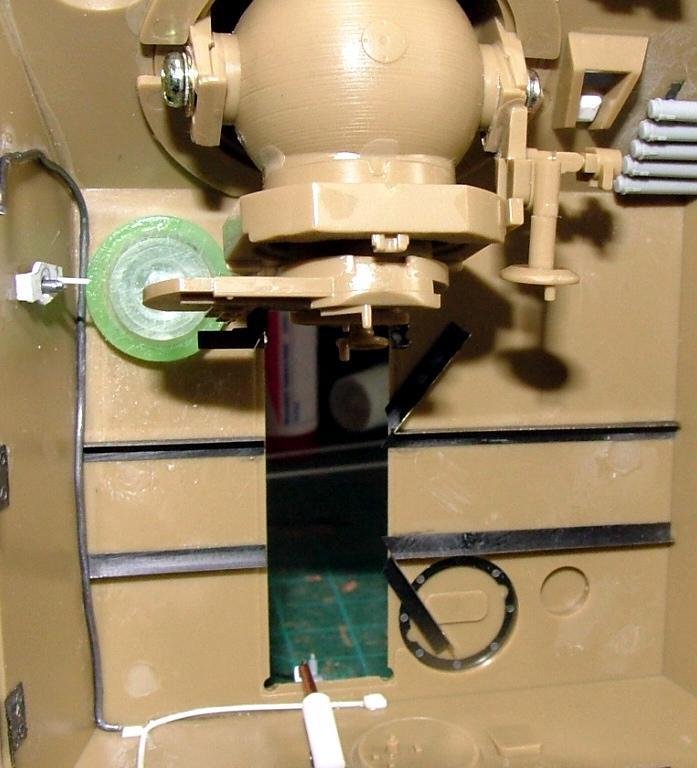 STURMTIGER [ TAMIYA 177 ] +Photodécoupe [ EDUARD 35381 & 35366]  (Montage en cours) - Page 5 Dscf0814