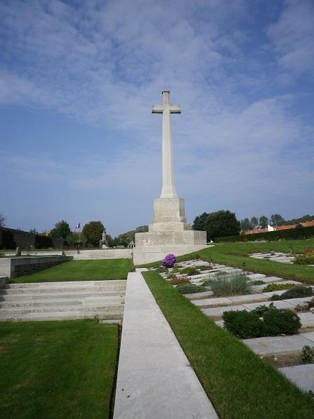 BULLRING / ETAPLES 1917 Cross10