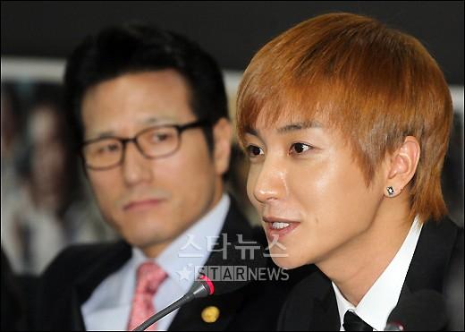 Leeteuk,  y su opinión con respecto a la Hallyu 20110210